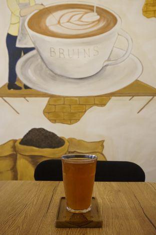 Foto 9 - Interior di Bruins Coffee oleh yudistira ishak abrar