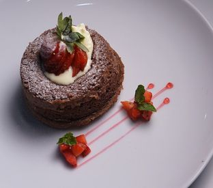 Foto 1 - Makanan(Lava Cake) di D'Comic Cafe oleh Vanny Vann
