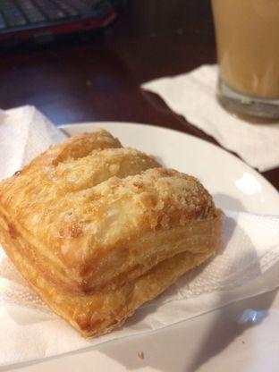 Foto 4 - Makanan(Struddle Apple) di Cafe LatTeh oleh Sinta Elviyanti