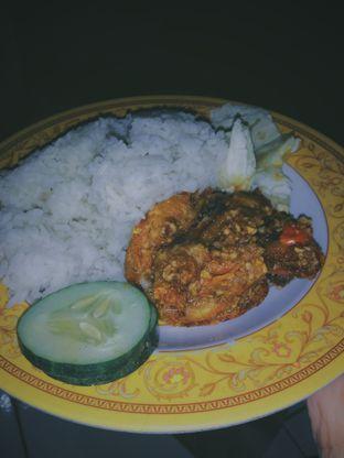 Foto 1 - Makanan di Ayam Gepuk Pak Gembus oleh saskia jihan
