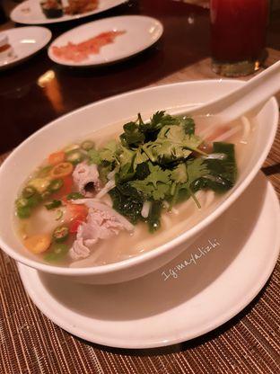Foto 2 - Makanan di The Cafe - Hotel Mulia oleh mayalizhi