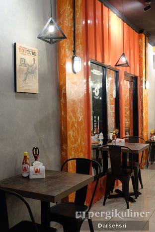 Foto 7 - Interior di Double U Steak by Chef Widhi oleh Darsehsri Handayani