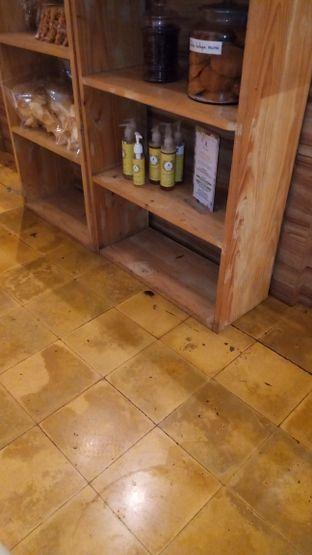 Foto 1 - Interior di Koffie Braga oleh Chris Chan