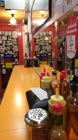 Foto 5 - Interior di Pizza Place oleh Life  For Eat