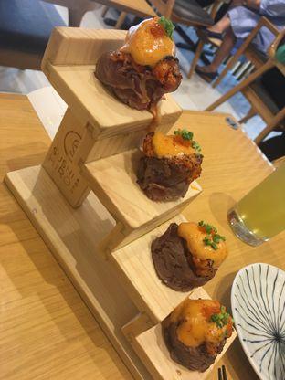 Foto 3 - Makanan(Beef Volcano Roll) di Sushi Hiro oleh didiesfoodies