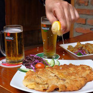 Foto review Die Stube Germany Resto & Bar oleh Yessica Angkawijaya 2