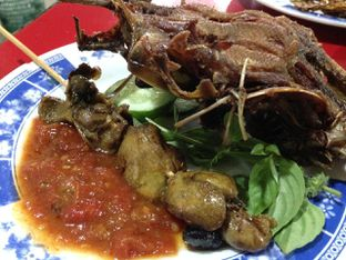 Foto 1 - Makanan(Nasi + Bebek Goreng) di Bebek Ali Borme oleh awakmutukangmakan