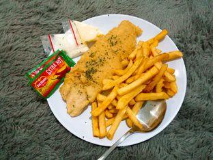 Foto 2 - Makanan(Fish n chip) di Fish Streat oleh Ratu Aghnia