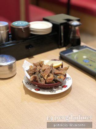 Foto 2 - Makanan(salmon skin) di Genki Sushi oleh Patsyy