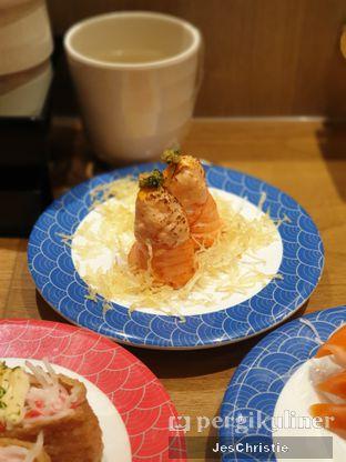 Foto 3 - Makanan(Spicy Hana Salmon) di Tom Sushi oleh JC Wen