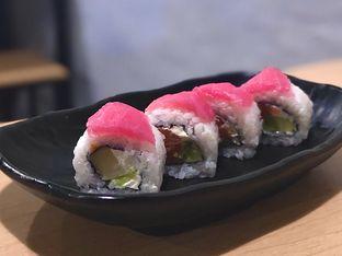 Foto 4 - Makanan(Red Riot Roll) di OTW Sushi oleh Fadhlur Rohman