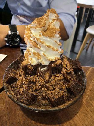 Foto 2 - Makanan(Chocolate brownies snowflake milk sorbet) di Aree oleh Komentator Isenk