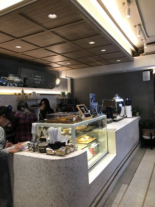 Foto 3 - Interior di Phos Coffee & Eatery oleh Stefanus Hendra