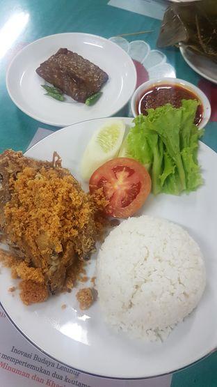 Foto 1 - Makanan di Ayam Goreng Suharti oleh Lid wen