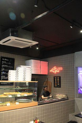 Foto 15 - Interior di Sliced Pizzeria oleh Prido ZH