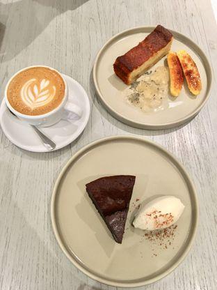 Foto 4 - Makanan di 1/15 One Fifteenth Coffee oleh Alfabetdoyanjajan