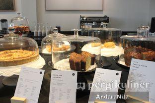 Foto 7 - Interior di 1/15 One Fifteenth Coffee oleh AndaraNila