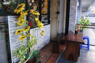 Foto 4 - Interior(Outdoor) di Bajaj Coffee oleh Novita Purnamasari
