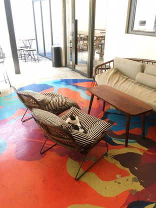 Foto 6 - Interior di SRSLY Coffee oleh Prido ZH