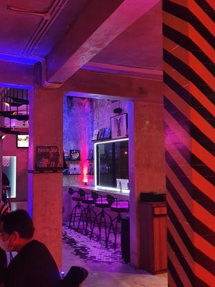 Foto 6 - Interior di Dope Burger & Co. oleh imanuel arnold