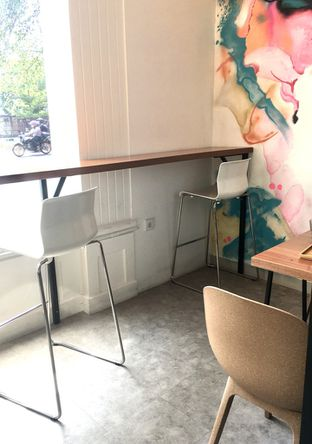 Foto 3 - Interior di Dapur Cokelat Coffee oleh Prido ZH
