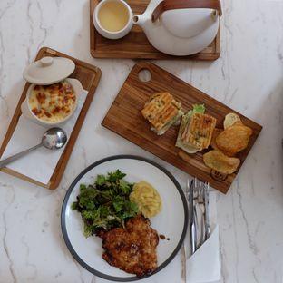 Foto - Makanan di Lewis & Carroll Tea oleh Michael Lizar