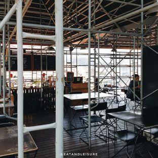 Foto 6 - Interior di Northwood Coffee & Eatery oleh Eat and Leisure