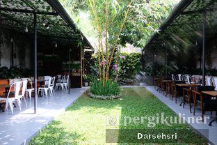Foto 9 - Eksterior di Dimitree Coffee & Eatery oleh Darsehsri Handayani