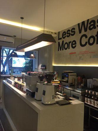 Foto Interior di Work Coffee