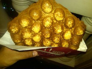 Foto 1 - Makanan(Vanilla Waffle With Cheese (IDR 23,5k)) di Eggo Waffle oleh Renodaneswara @caesarinodswr