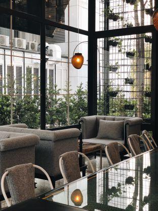 Foto 6 - Interior di Hours Coffee & More oleh Erika Karmelia