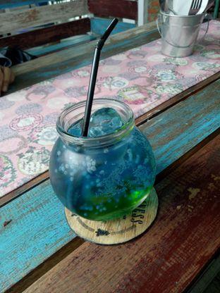 Foto 1 - Makanan(Fizzy blue happines) di Happiness Kitchen & Coffee oleh Namira