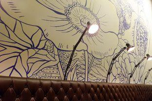 Foto 10 - Interior di Hummingbird Eatery oleh iqiu Rifqi