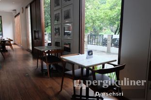 Foto 5 - Interior di Lewis & Carroll Tea oleh Darsehsri Handayani