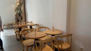 Foto 5 - Interior di Tata Cakery oleh felita [@duocicip]