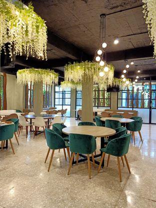Foto 1 - Interior di Bun King Resto & Coffee oleh Tasty Kuliner