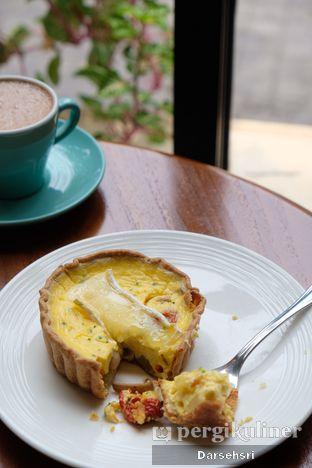Foto 1 - Makanan di Chicory European Patisserie oleh Darsehsri Handayani