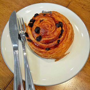 Foto 3 - Makanan(Pain au raisin) di Platon Coffee oleh duocicip