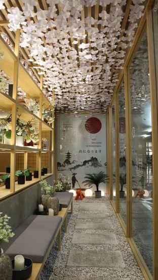 Foto 2 - Interior di Sushi Hiro oleh thehandsofcuisine
