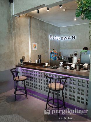 Foto review Blackswan Coffee House oleh Selfi Tan 2