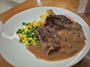 Foto - Makanan(Tenderloin Steak) di Joni Steak oleh Stefanus Mutsu