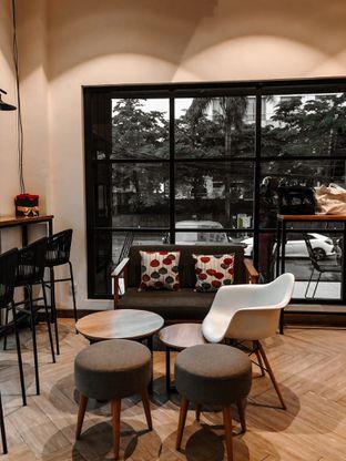 Foto 4 - Interior di Emji Coffee Bar & Space oleh deasy foodie