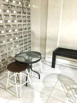 Foto 5 - Interior di Meneed Coffee Cuts oleh Prido ZH