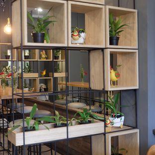Foto 18 - Interior di Mr. Ang's oleh dk_chang