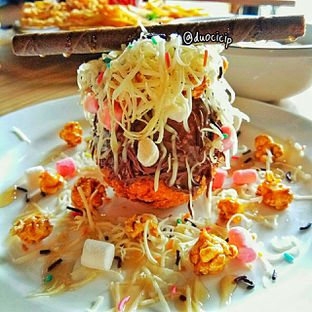 Foto 4 - Makanan(Big Bang Ice Cream) di SOHK! Soul Of Hardcore Kitchen oleh felita [@duocicip]