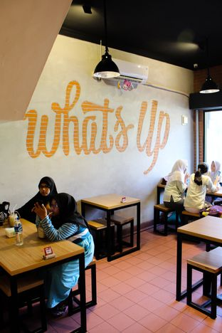Foto review What's Up Cafe oleh Christine Lie #FoodCraverID 4