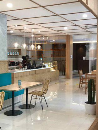 Foto 6 - Interior di Dailydose Coffee & Eatery oleh yudistira ishak abrar