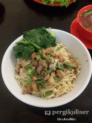 Foto 3 - Makanan(Bakmi ayam jamur bakso) di Bakmi Acha oleh UrsAndNic