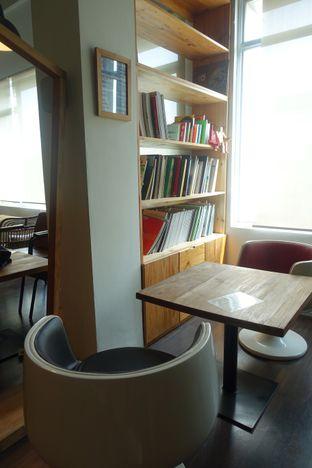 Foto 10 - Interior di Pomato Coffee oleh inggie @makandll