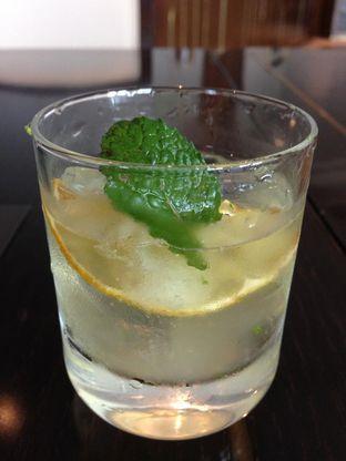 Foto 11 - Makanan di PASOLA - The Ritz Carlton Pacific Place oleh awakmutukangmakan